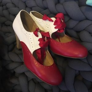 Sylvia shoes, size 39, red and cream